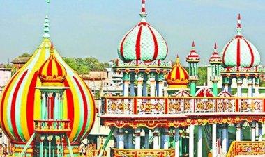 নান্দনিক স্থাপনায় টিকে আছে  চট্টগ্রামের তাজ মসজিদ