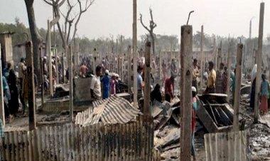 রোহিঙ্গা ক্যাম্পে অগ্নিকাণ্ডে ৫ শতাধিক ঘর পুড়ে ছাই