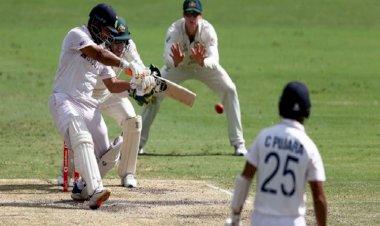 ইতিহাস গড়ে ভারতের টেস্ট সিরিজ জয়