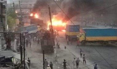 ১০ গাড়িতে আগুন : ঢাকা-চট্টগ্রাম মহাসড়কে যান চলাচল বন্ধ