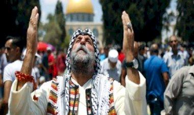 আবারো আল-আকসায় জুমার নামাজে ইসরাইলের বাধা