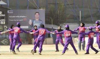 ক্রিকেট নিয়ে শঙ্কায় আফগান নারীরা
