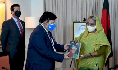 প্রধানমন্ত্রীর ৭৫তম জন্মদিন উপলক্ষে পররাষ্ট্রমন্ত্রীর নতুন বই 'শেখ হাসিনা : বিমুগ্ধ বিস্ময়'